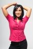Femme chemise rouge